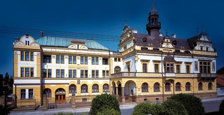Mstsk knihovna a informan centrum: Knihovna: Nov Bydov